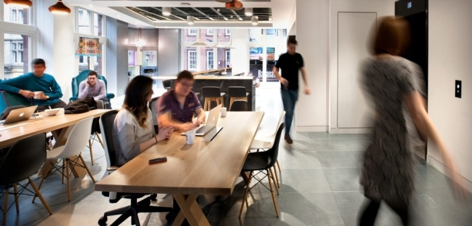 comunal space at the heart of office fit out
