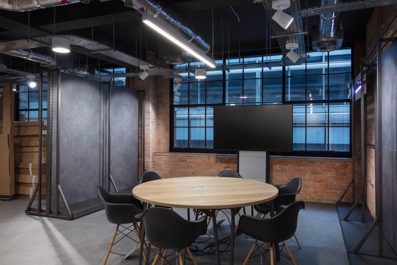 Round table in new office fit out