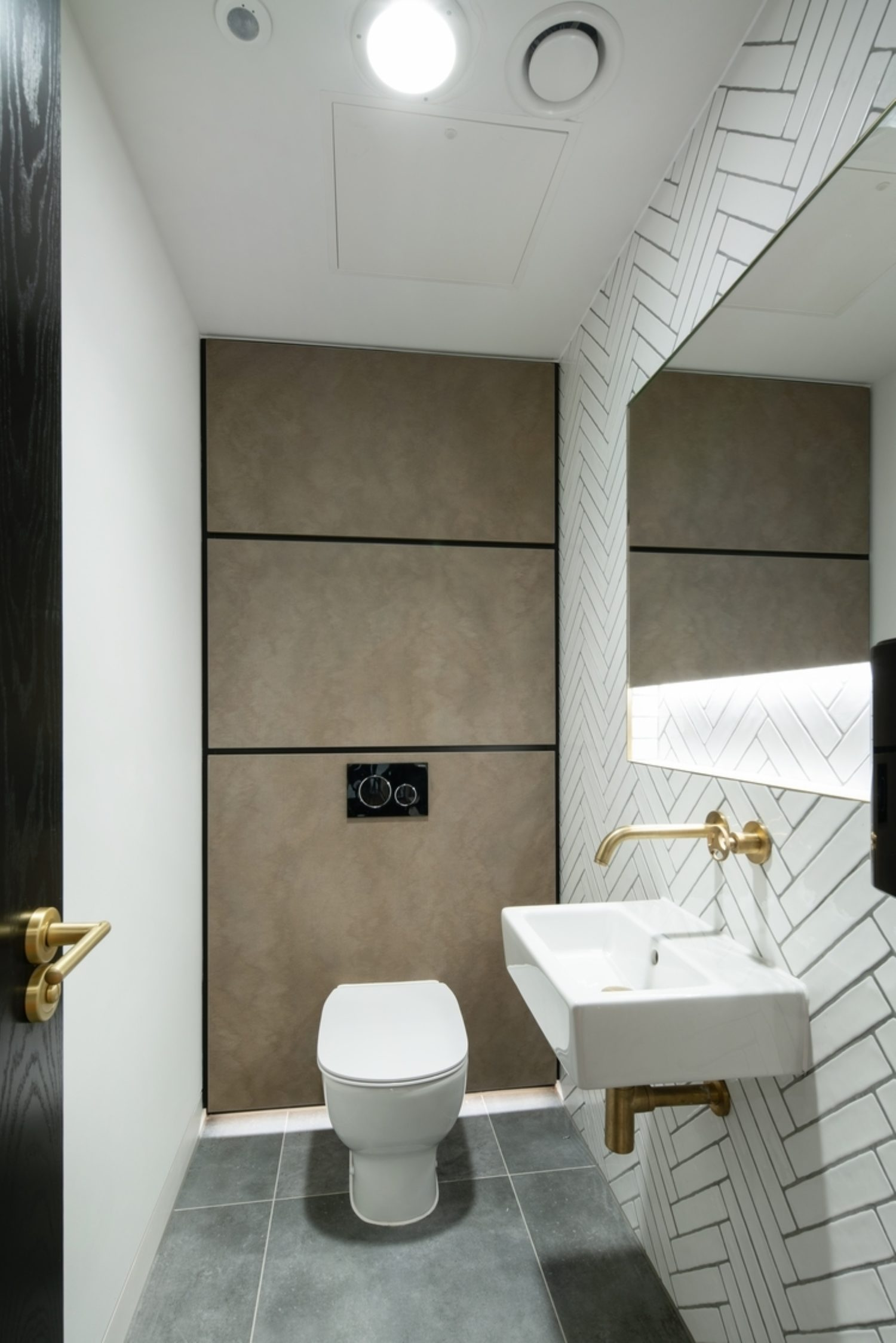 Cally Yard office design toilets