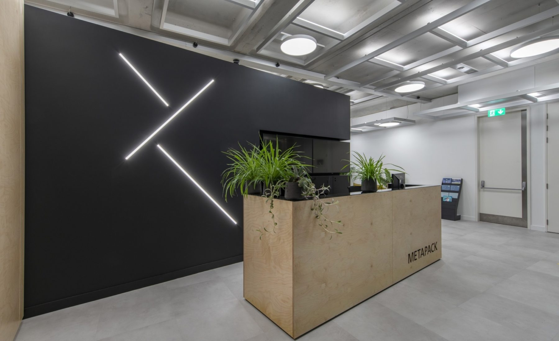 Metapack office design reception