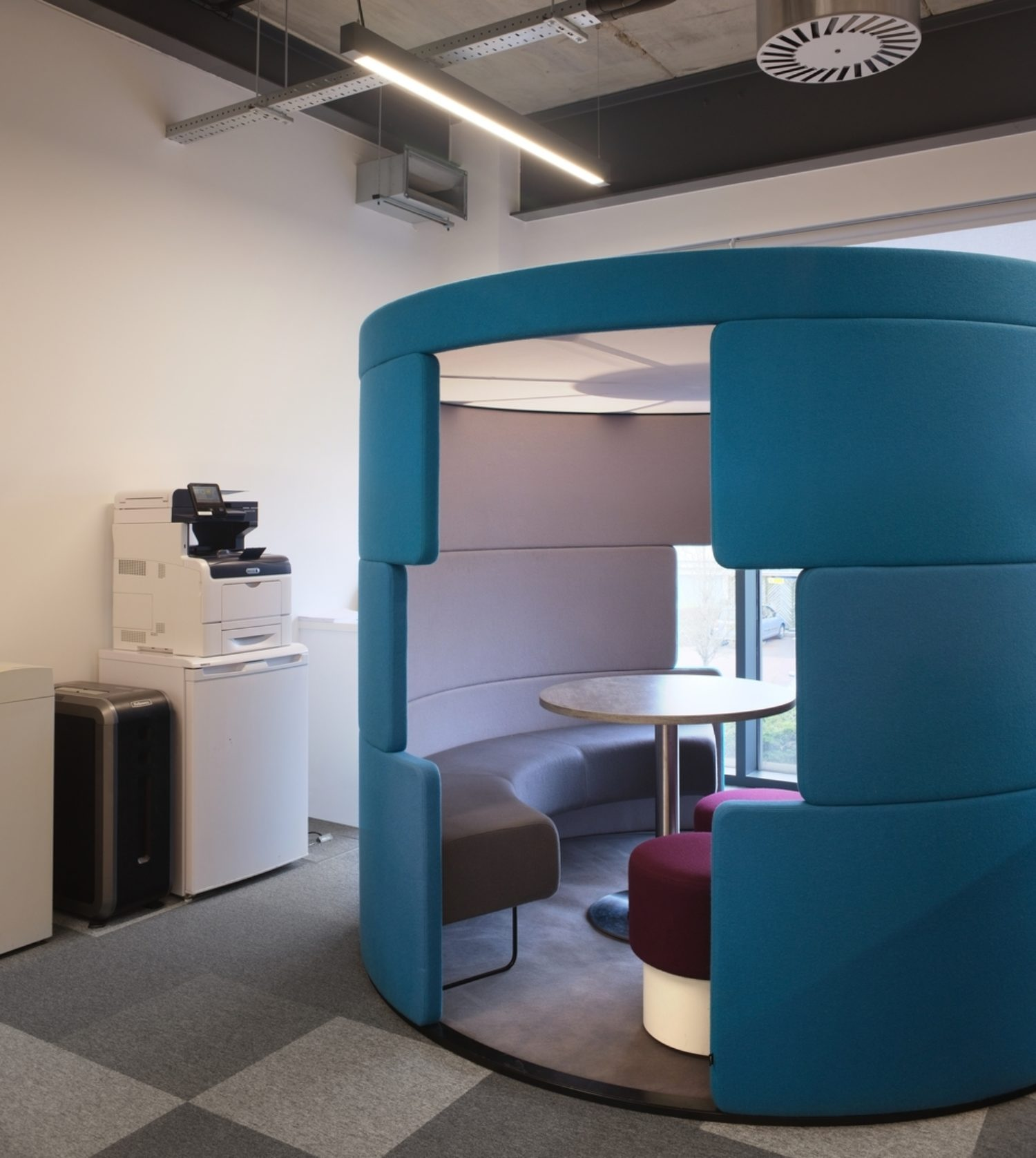 Perspectum fit out with meeting pods