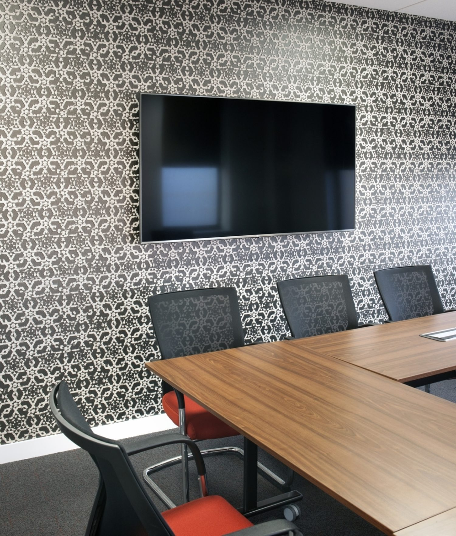 Housing Solutions meeting room av fit out