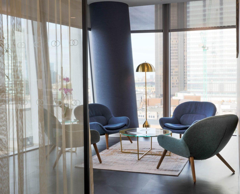 King & Wood Mallesons modern meeting room design