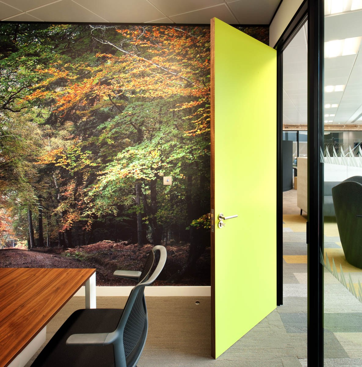 Manhattan Associates autumn wall print in meeting room design