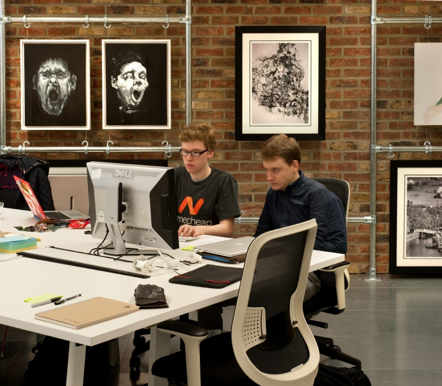 ThoughtWorks staff in open plan office fit out