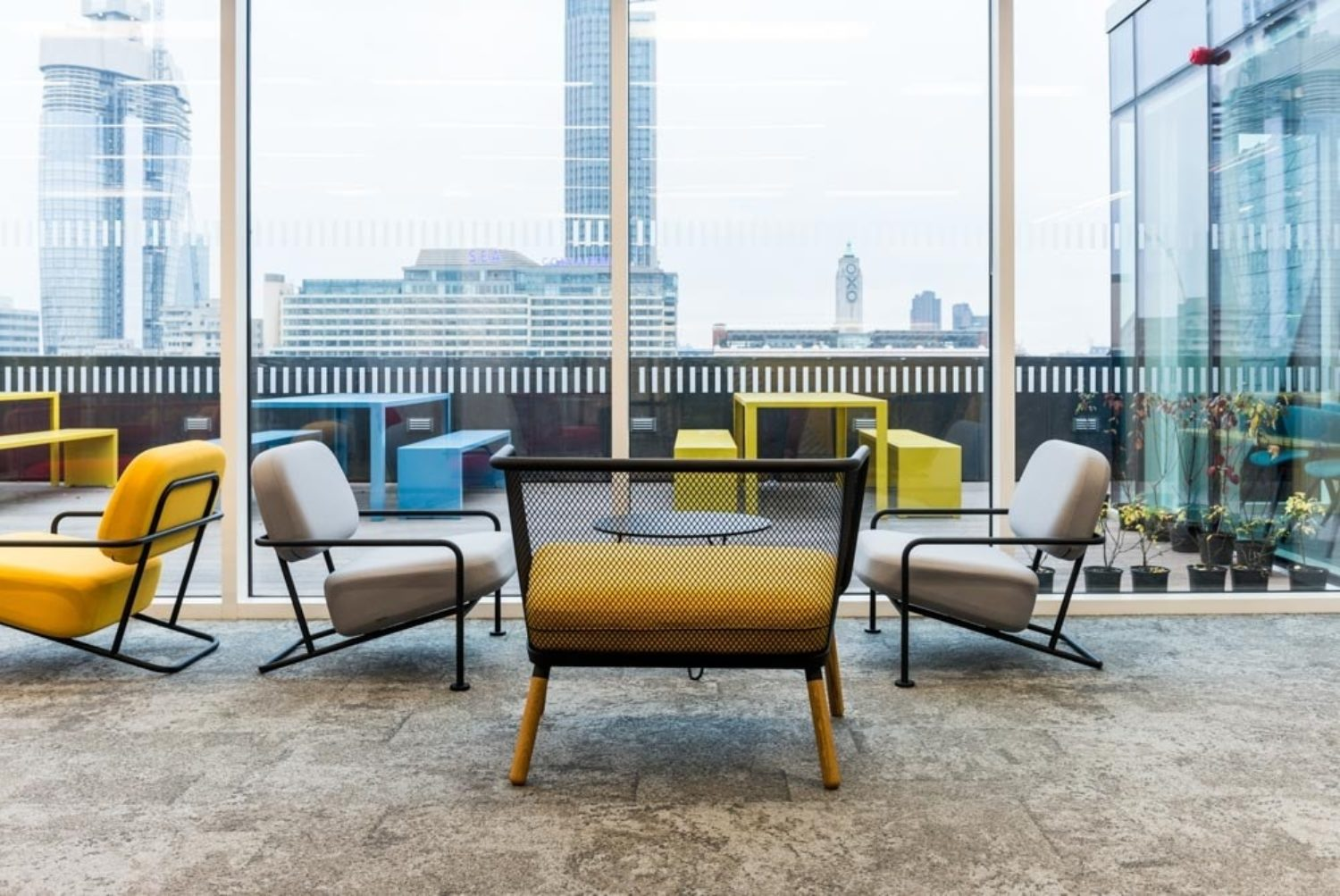 Breakout space in innovative office design