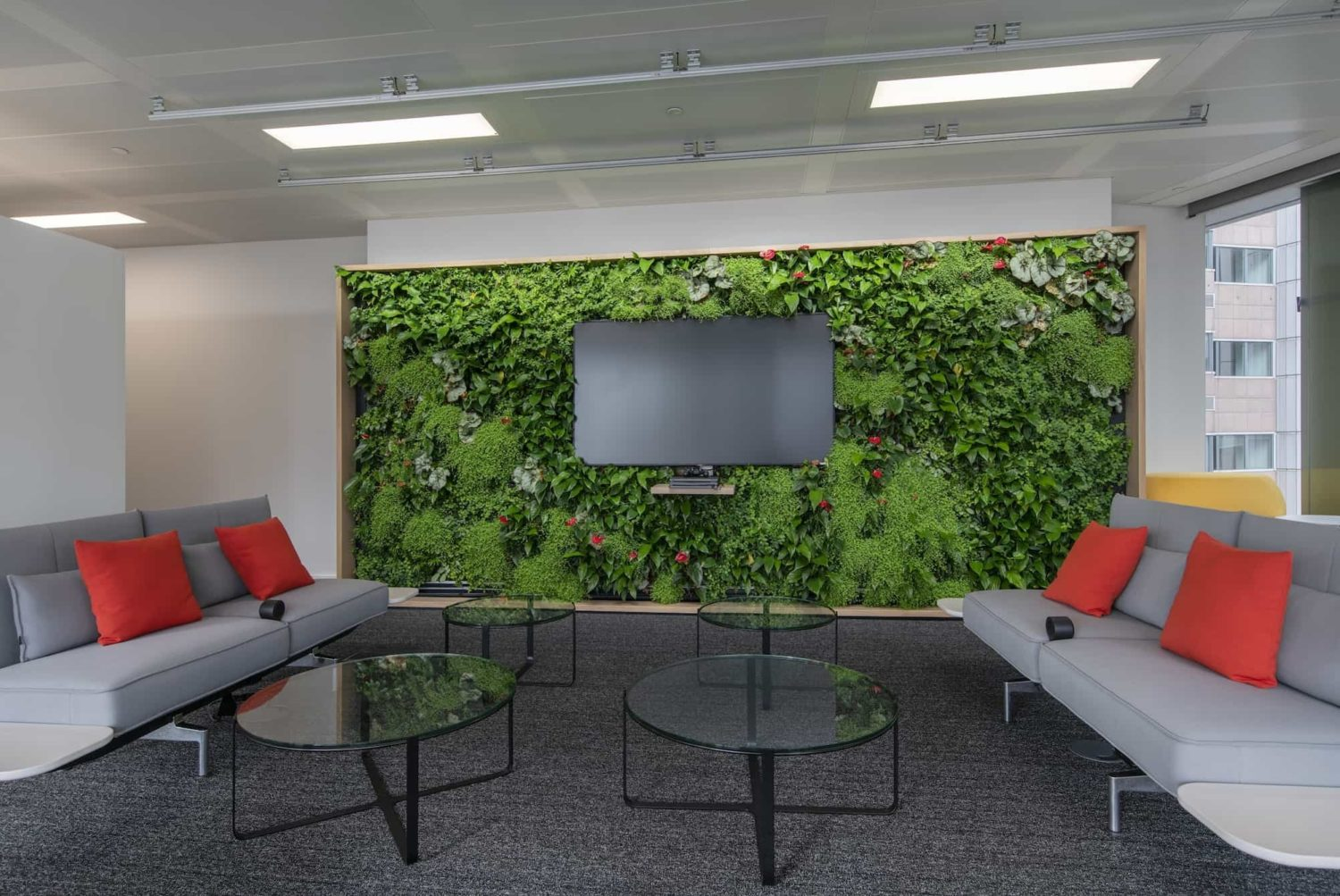 Living wall in reception area design