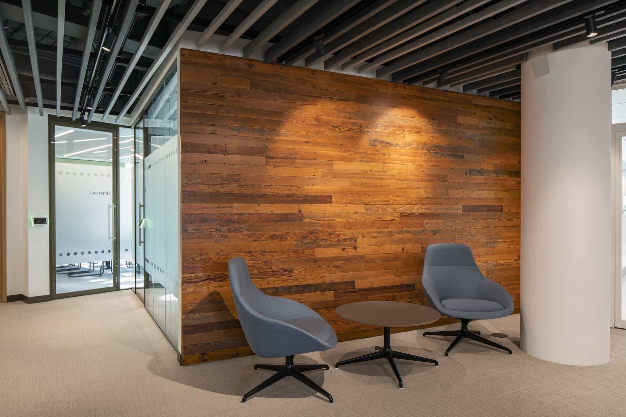 Reclaimed wood in low carbon office