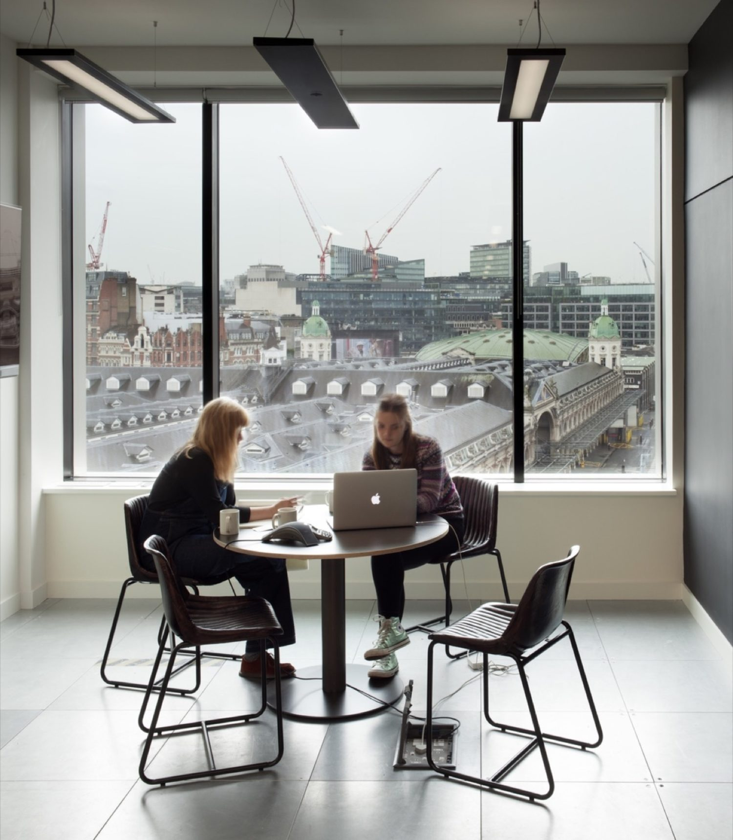 Anomaly meeting space design with natural light