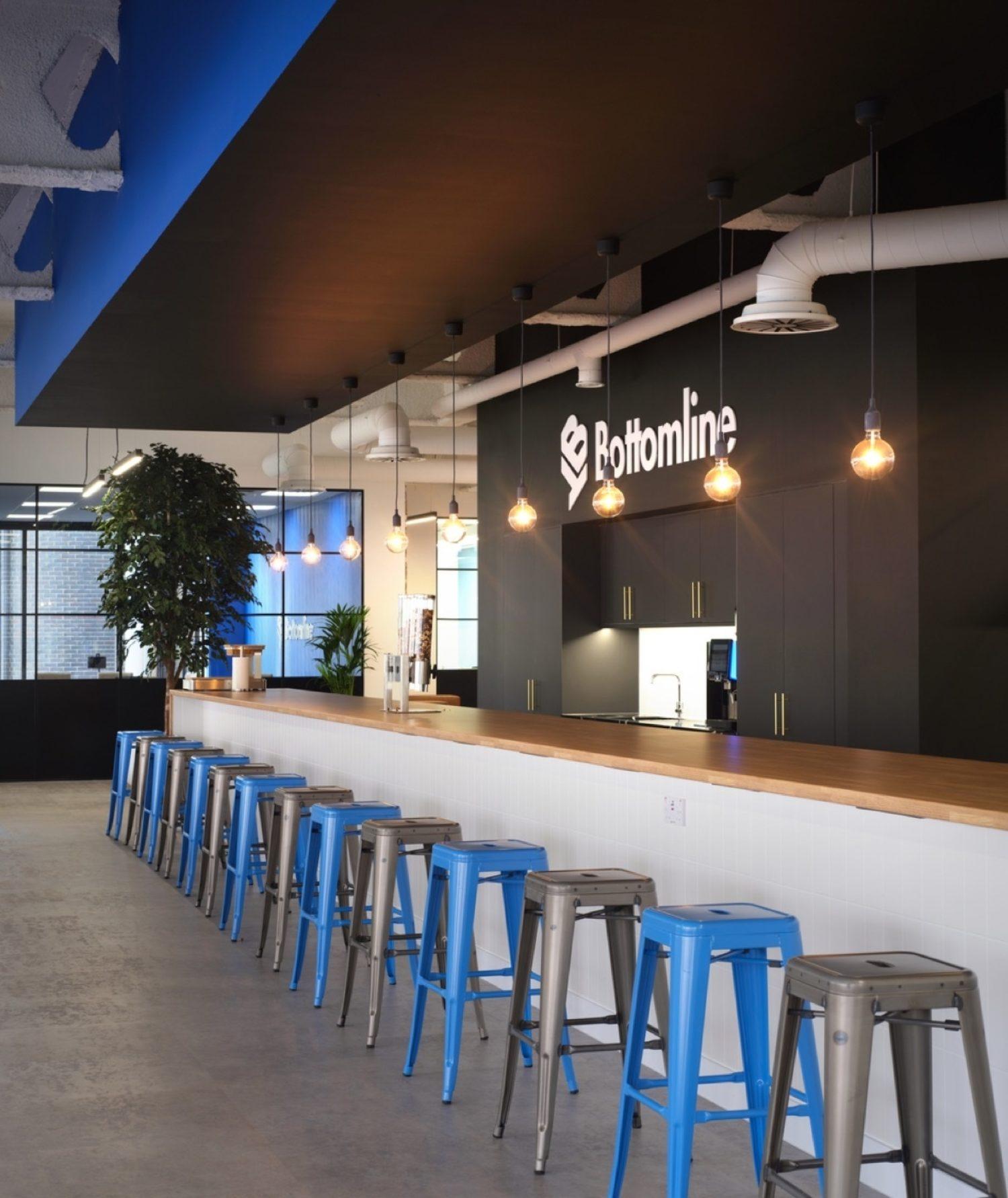Bottomline breakfast bar in modern office design